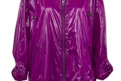 L(e)ila macht geiler! Jacke von adidas by Stella McCartney, um 240 Euro.
