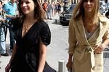 Gespottet: die französische Vogue-Chefin Carine Roitfeld mit ihrer Tochter Julia auf dem Weg zur Modenschau. Ihr Hairstyle: lang und mittelgescheitelt. Sagen wir doch!