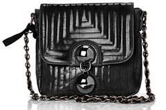 Handtasche aus schwarzem Leder von French Connection, um 45 Euro