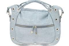 Helle Henkel-Tasche von Asos, um 285 Euro.
