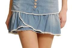 Süßer Jeans-Faltenrock von Mango, um 40 Euro.