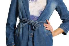 For the Ladys: Jeans-Sakko von Mango, um 50 Euro.