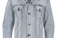 Die Jeansjacke von Ezekiel gibt es im Frontlineshop, um 75 Euro.