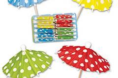 Sonne im Glas. Mit einem Cocktail oder frischen Fruchtsäften - und passenden Schirmchen von Bertine, ca. 2 Euro - lassen sich die ersten Sonnenstrahlen besonders gut genießen. Zu Bestellen über www.bertine.de