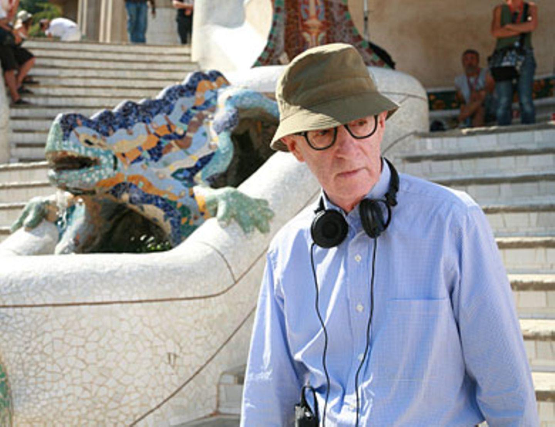 Regisseur Woody Allen am Set in Barcelona.