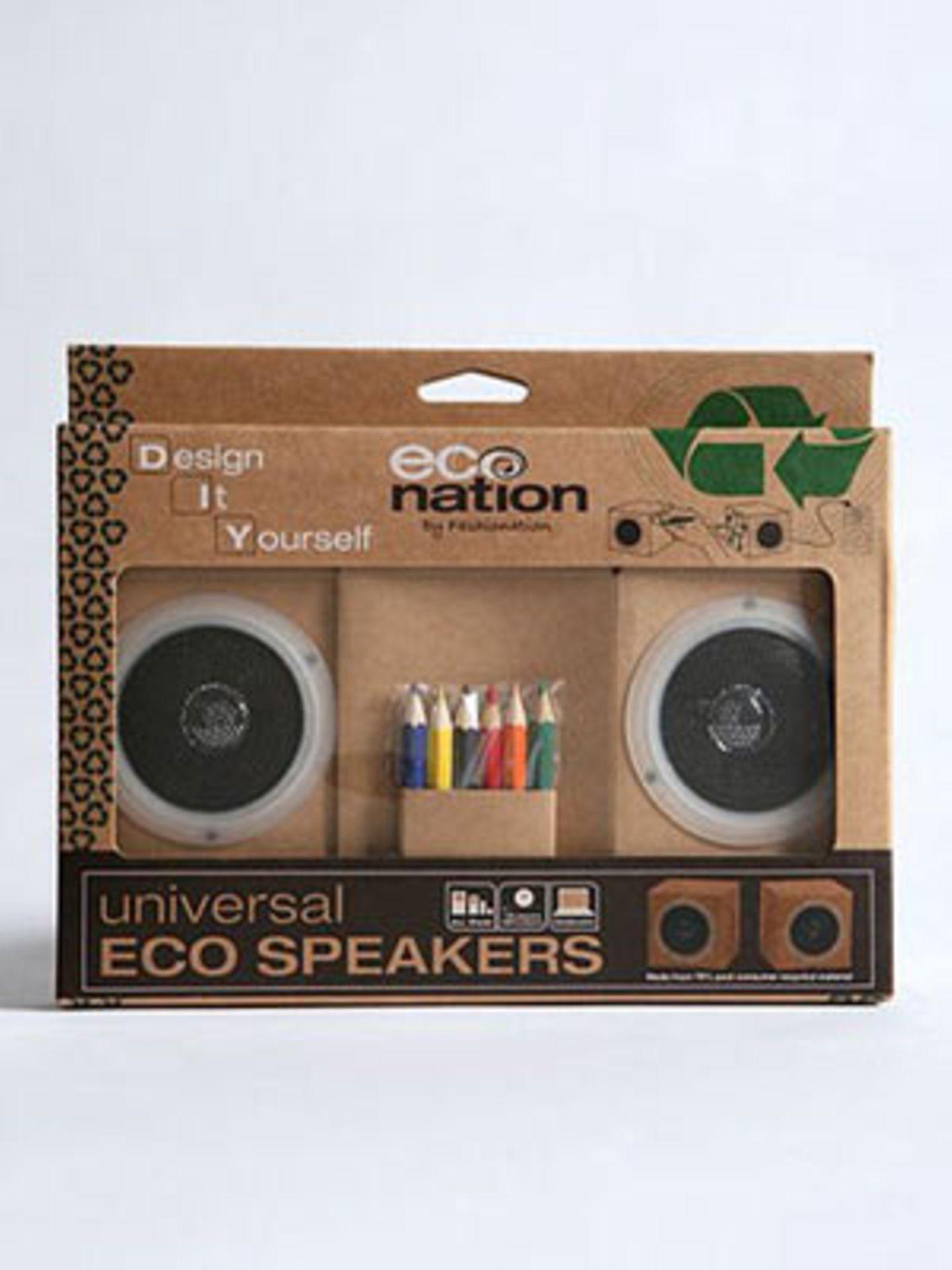 Bastel dir deine individuellen Lieblingslautsprecher! Die kleinen Boxen sind aus recyceltem Material hergestellt und werden mit sechs Buntstiften geliefert, so dass du sie dir so anmalen kannst, wie es dir gefällt. Von Urban Outfitters, um 18 Euro.