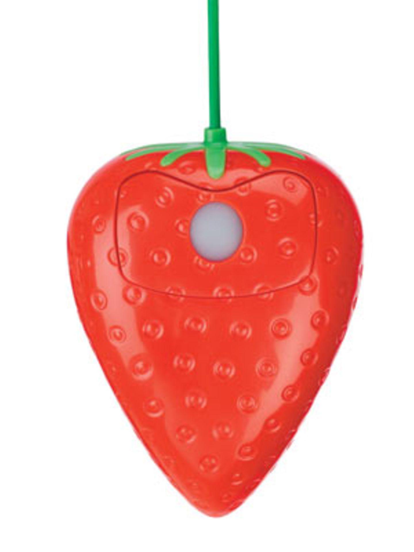 Zum Reinbeißen! Erdbeer-Mouse von Pat Says Now, um 30 Euro.