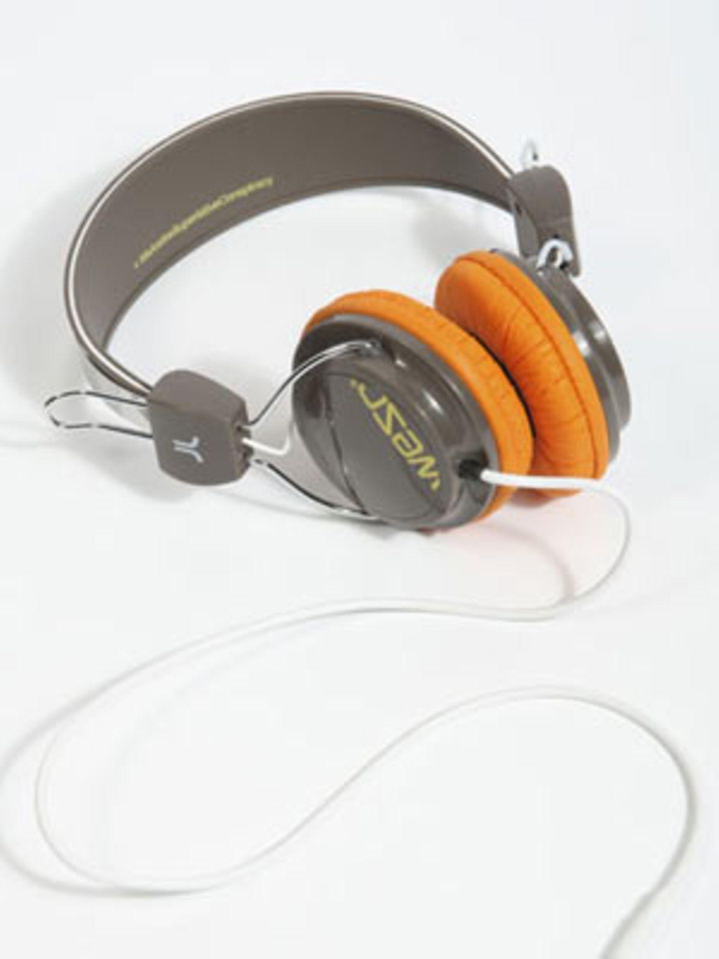 Kopfhörer von WeSC, um 80 Euro. Über Urban Outfitters.