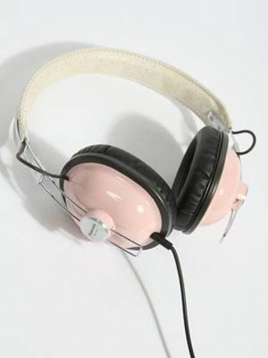 Kopfhörer von Panasonic, um 55 Euro. Über Urban Outfitters.