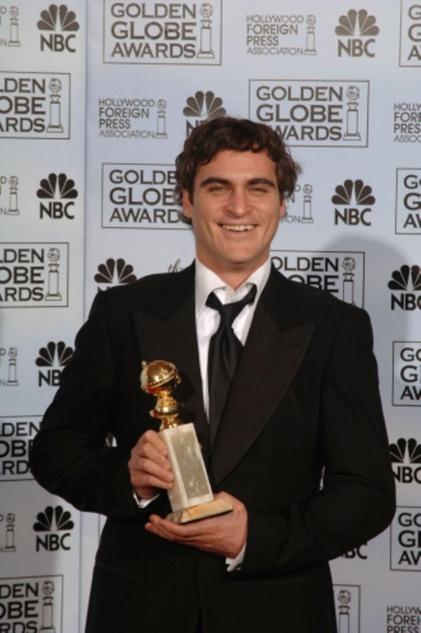"""Einen Golden Globe mit nach Hause nehmen konnte Joaquin Phoenix, der in """"Walk the Line"""" den Johnny Cash spielt und singt"""