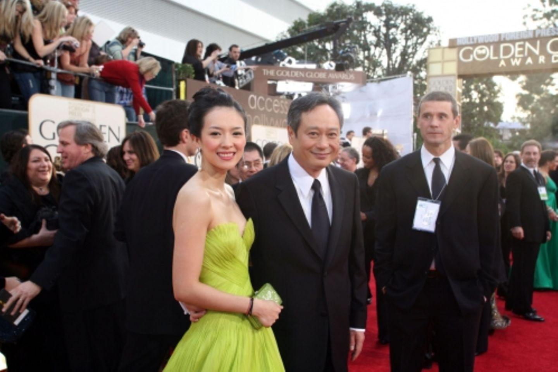 """Chinas schönstes Gesicht in Hollywood: Ziyi Zhang war für ihre Rolle in """"Die Geisha"""" nominiert. Hier an der Seite des später preisgekrönten Regisseurs Ang Lee (""""Brokeback Mountain"""")"""
