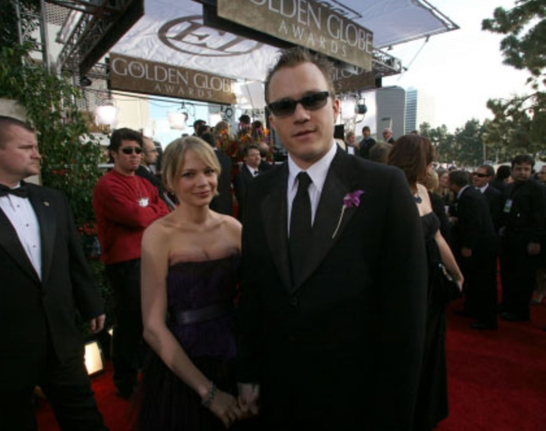 """Heath Ledger macht als Cowboy in """"Brokeback Mountain"""" eine ebenso gute Figur wie im Festtagsanzug. Den Preis bekam er aber nicht"""