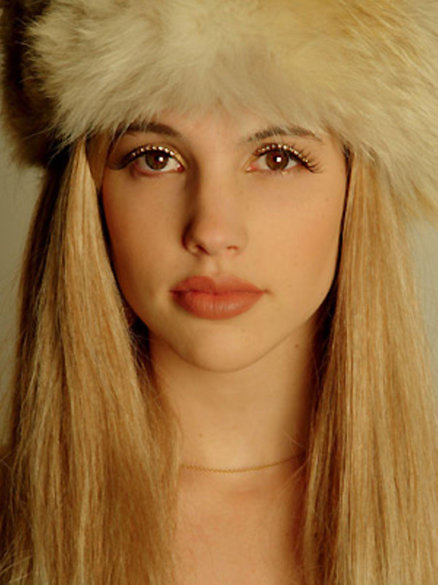 """Sophie van der Stap: """"Heute bin ich blond. Das Mädchen mit den neun Perücken"""". Perücke Bebé"""