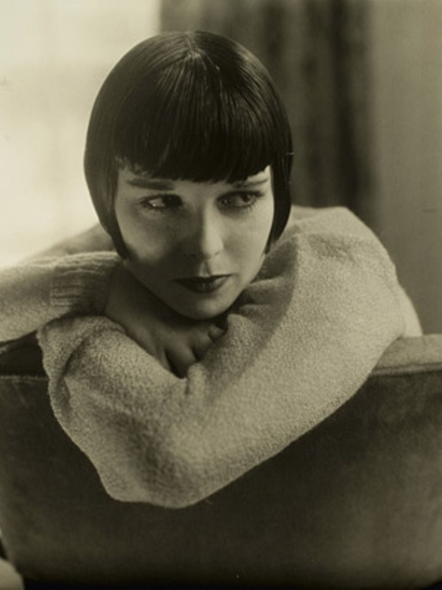 Louise Brooks by Edward Steichen 1928, Vanity Fair, January 1929     Markenzeichen Pagenkopf: Die Stummfilm-Schauspielerin Louise Brooks.