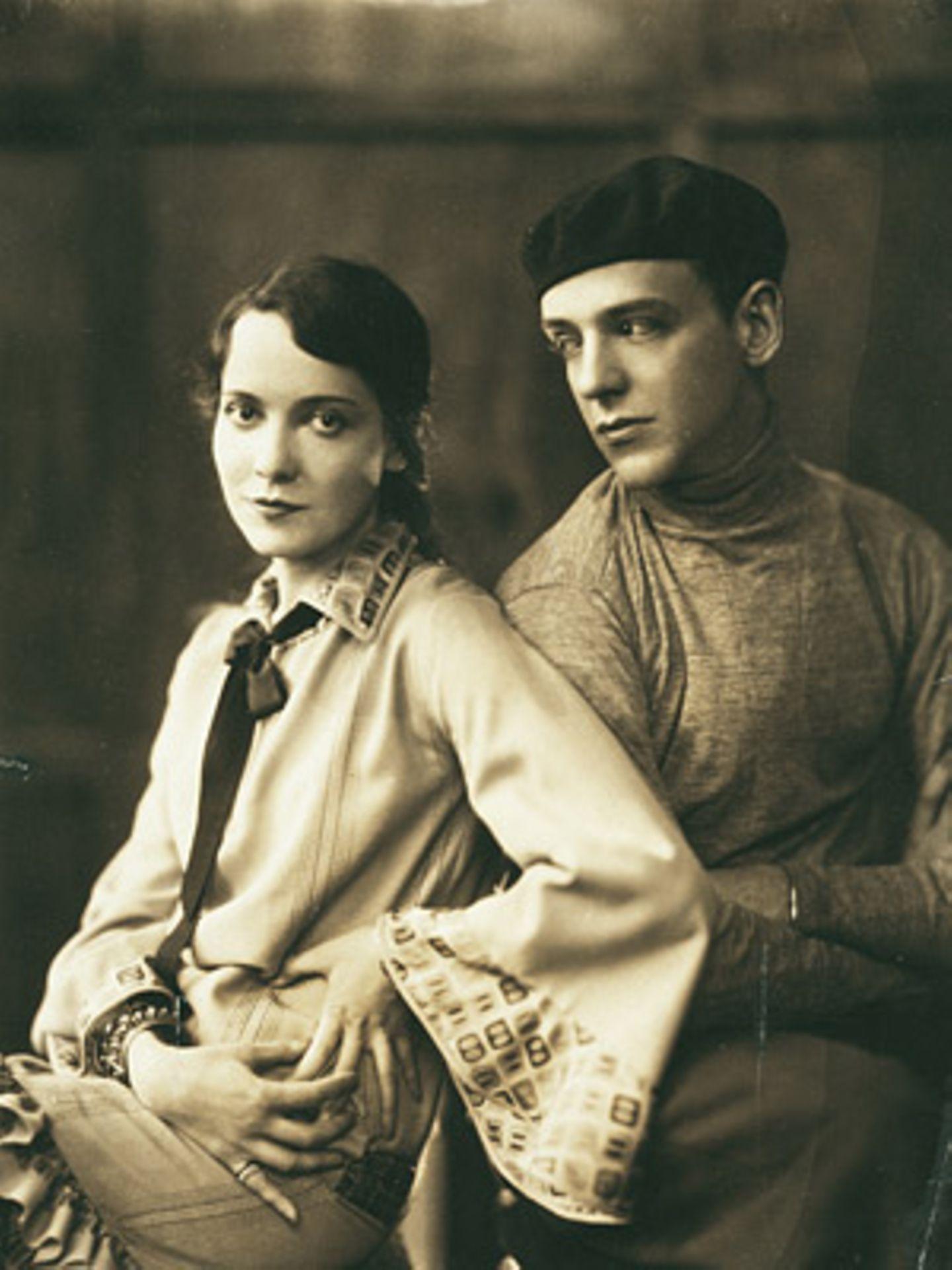 Adele Astaire and Fred Astaire by James Abbe 1926    Das tanzende Geschwisterpaar Adele und Fred Astaire eroberte die Herzen der Amerikaner im Sturm. Kathryn Abbe fotografierte sie für die Vanity Fair im September 1927.