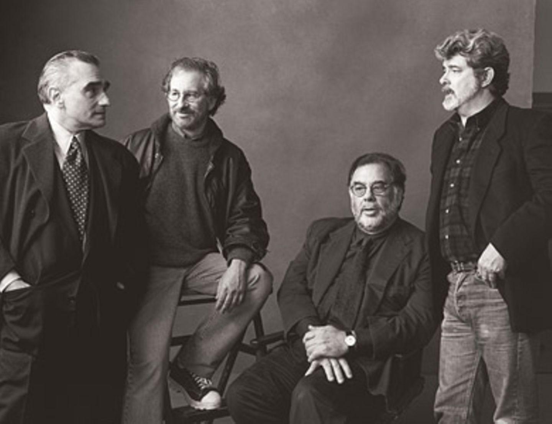 Directorial Titans by Annie Leibovitz 1996    Die Crème de la Crème der US-Regisseure: Martin Scorsese, Steven Spielberg, Francis Ford Coppola, George Lucas (von links nach rechts).