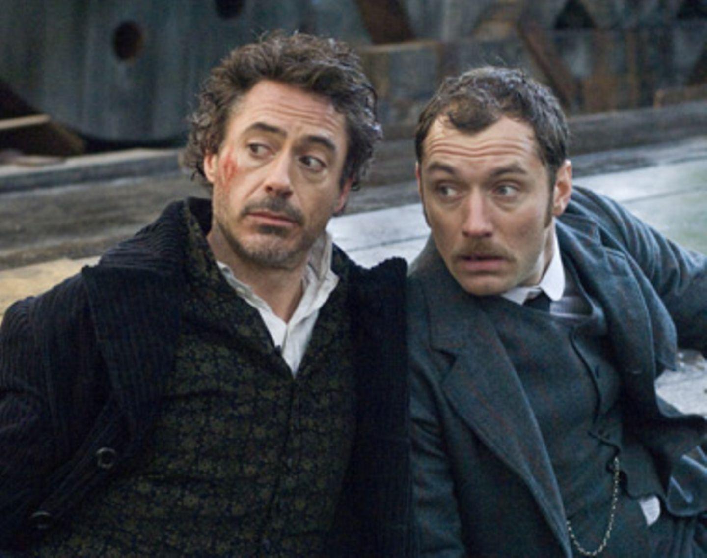 Vor lauter Madonna-Wirbel hätten wir fast vergessen, dass Guy Ritchie ziemlich gute Filme drehen kann. Seine Version von Sherlock Holmes genügt zur Ehrenrettung. Er hat den Klassiker mit Robert Downey Jr. als wahnsinnigem Detektiv und Jude Law als sexy Dr. Watson aufgehübscht, herausgekommen ist eine spannende Mischung aus Fight Club, 007 und Harry Potter. Am 28. Januar kommt Sherlock in unsere Kinos. Mehr Infos zum Film gibt's auf wwws.warnerbros.de/sherlock.