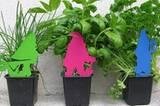 Gartenzwerge stehen nur bei Spießern auf dem Balkon? Falsch! Die Mini-Gartenzwerge Martin, Heinz und Werner sind absolut up to date. Um 20 Euro bei design3000.
