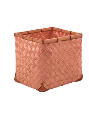 Alles sicher verstaut    Bambuskorb, in verschiedenen Farben erhältlich.    Preis: ca. 10 Euro, über  www.zarahome.com