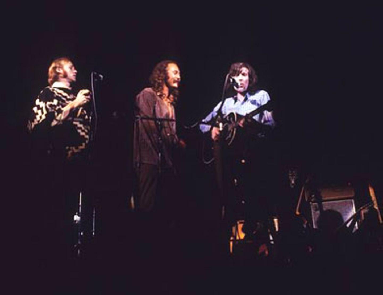 Während des Auftritts von Crosby, Stills and Nash stellte die Folkband übrigens auch ihr neues Mitglied - Neil Young - vor...