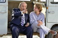 Kino-Tipp: Maria, ihm schmeckt's nicht!    Antonio (Lino Banfi) versucht seinen zukünftigen Schwiegersohn Jan (Christian Ulmen) zu überreden, in Italien zu heiraten.