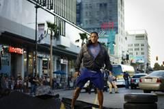 Hancock sorgt mal wieder für Verkehrschaos auf den Straßen von LA.