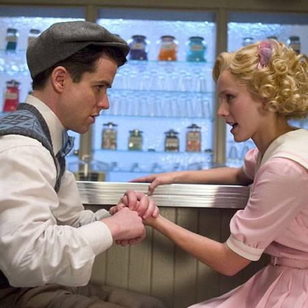 Sind sie nicht süß? Jimmy (Christian Campbell) und Mary (Kristen Bell) fühlen sich wie Romeo und Julia