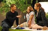 Mission Hollywood    Til Schweiger übt mit Sabrina Frank (Mitte) und Friederike Lohrer (re.) eine Szene, die sie gleich vor der Kamera umsetzen sollen.