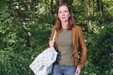 """TV-Tipp """"Liebe und andere Gefahren"""": Franziska (Katja Flint) soll das Lösegeld für den entführten Tom überbringen."""