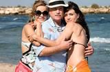 Irv (Richard Dreyfuss) flirtet mit zwei Senoritas (Maria Botto, re. Maria Adanez)