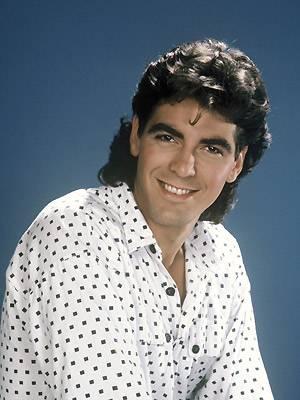Zu Beginn seiner Karriere hatte George offenbar kein Geld, um einen anständigen Friseur zu bezahlen. Oder wollte er einfach nur Schmalzlocke David Hasselhoff Konkurenz machen?