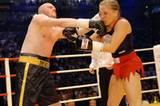 "Highlights aus zehn Jahren ""TV Total"": Stefan Raab boxt gegen Regina Halmich"