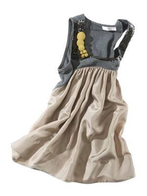 Kleid in A-Linie mit Rundhalsausschnitt und Pailletten-Besatz von Day Birger et Mikkelsen, um 190 Euro. Über  www.brandneu.de.