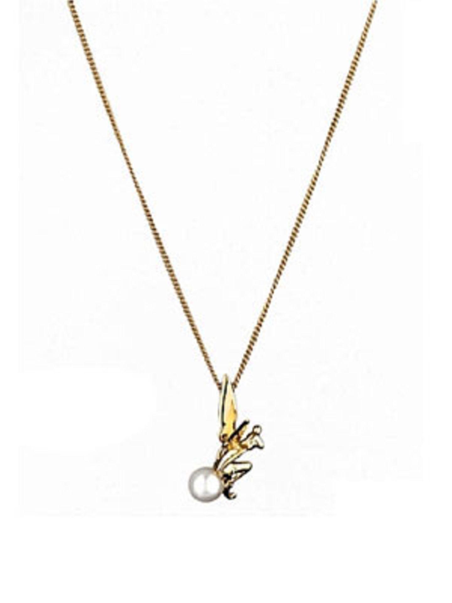 Goldene, auf einer kleinen Perle sitzenden Tinkerbell. Von Disney Couture, um 55 Euro. Über www.frontlineshop.com.