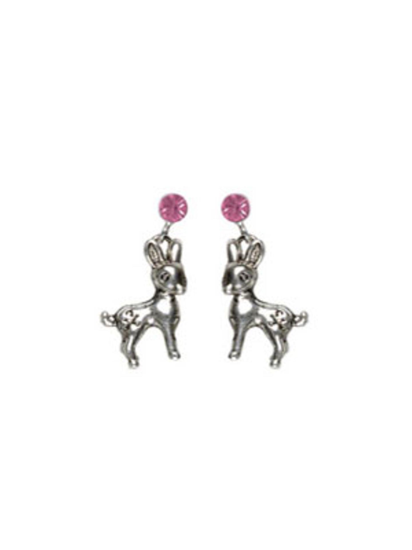 Silberne Ohrringe mit rosafarbenem Strassstein und Rehkitz von www.bertine.de, um 8 Euro.