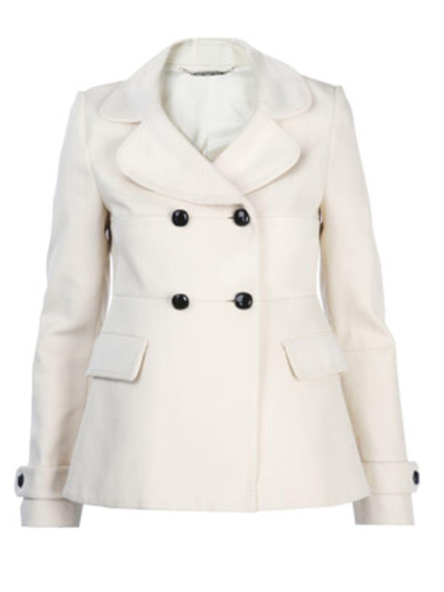Weiße Jacke mit mädchenhaftem Kragen und doppelter Knopfreihe von Mango, ca. 100 Euro.