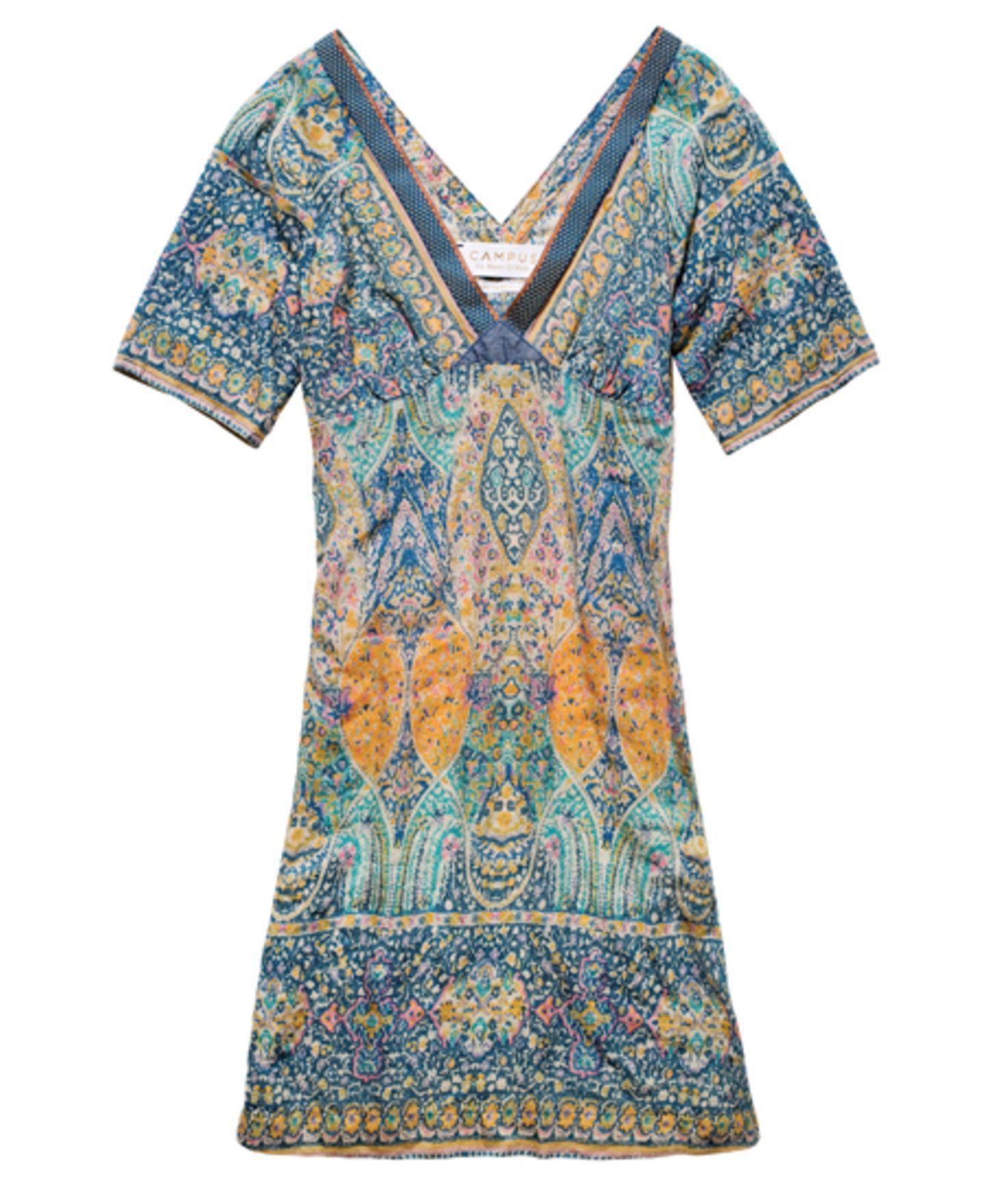 Kleingemustertes Mini-Kleid mit V-Ausschnitt und leicht ausgestelltem Arm von Campus by Marc O'Polo, um 130 Euro.
