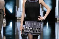 Kleid 49 Euro; Tasche 12 Euro; von C&A