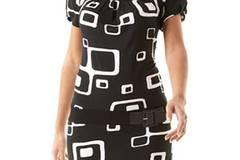 Kleid mit großen Motiven und Gürtel; 36,90 Euro; von Promod