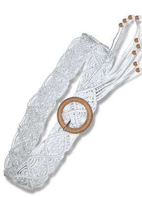 Weißer Flechtgürtel aus Baumwolle 9,95 Euro; von Bijou Brigitte