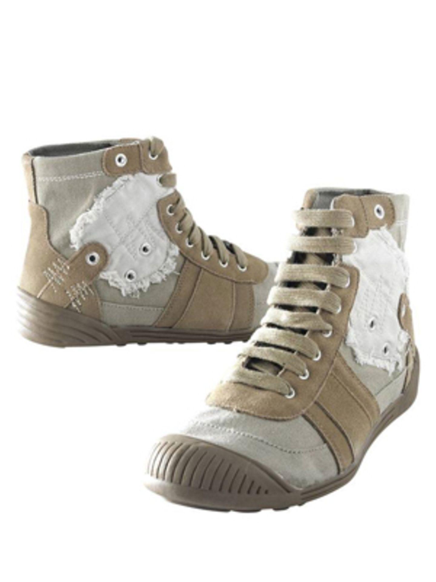 Knöchelhoher Sneaker im Used-Look von Promod, um 29,95 Euro. Über www.promod.de