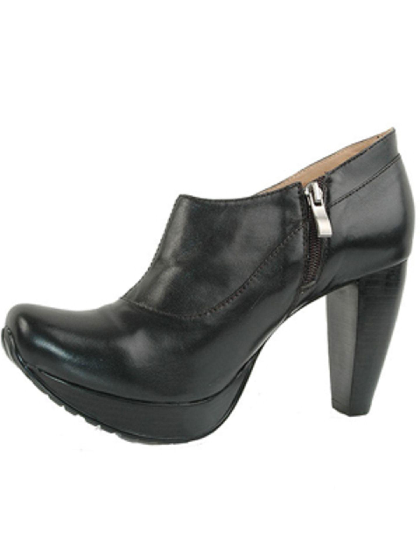 Ankleboots mit hohem Absatz aus schwarzem Leder von Mango, um 129 Euro. Über www.mangoshop.com