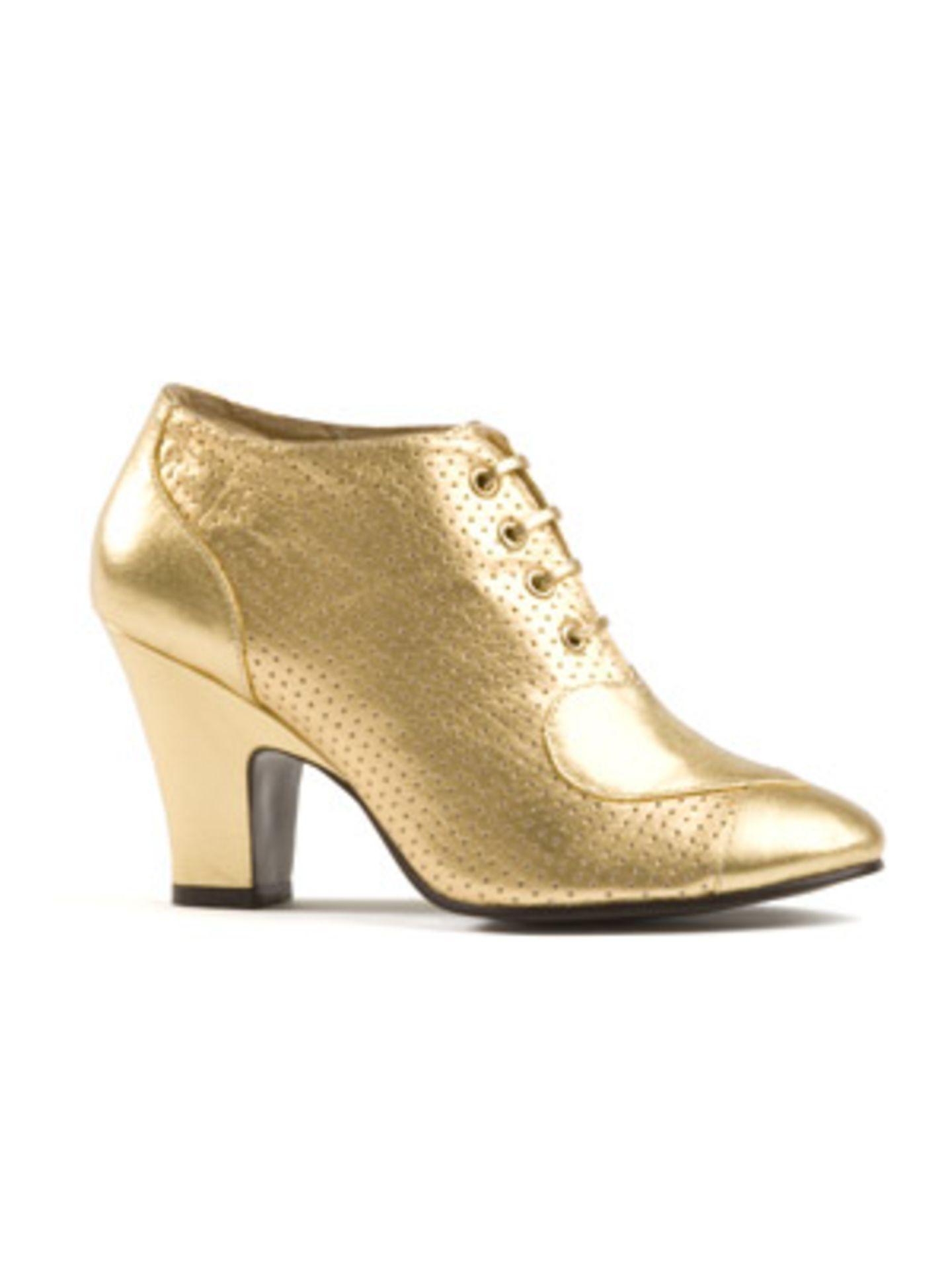 Für glänzende Tanzparaden: goldene Ankleboots von Lise Lindvig, um 120 Euro.