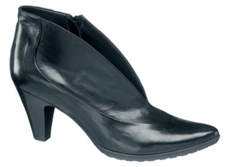 Schwarzer Ankle-Boot mit weitem Ausschnitt; 59,90 Euro; von 5th Avenue / Deichmann