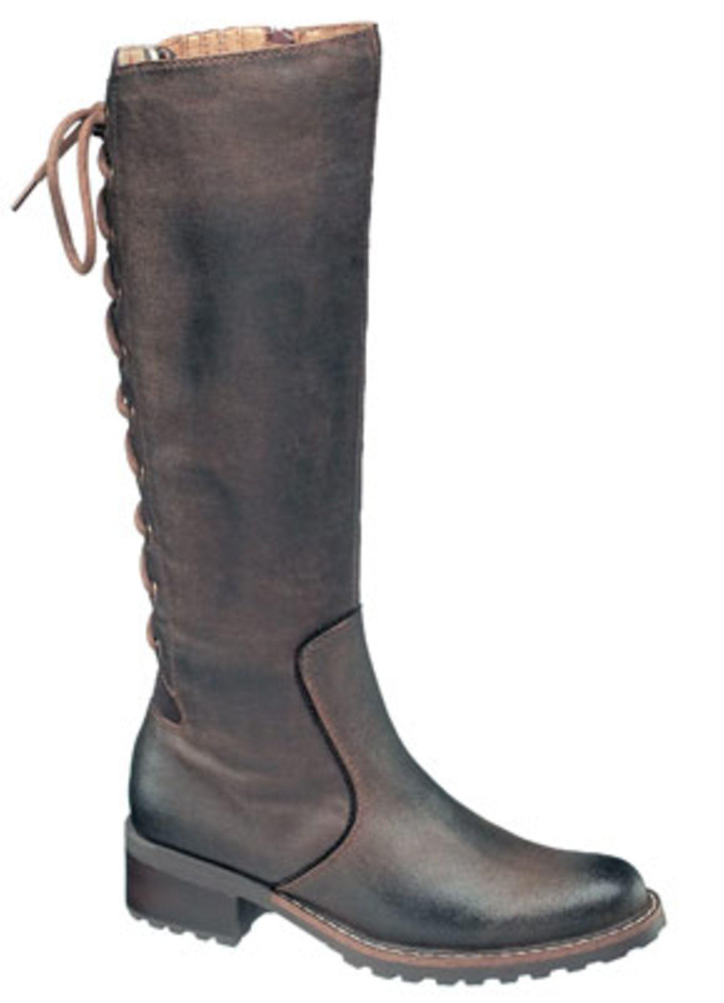 Brauner Stiefel mit Schnürung; 34,90 Euro; von Graceland / Deichmann