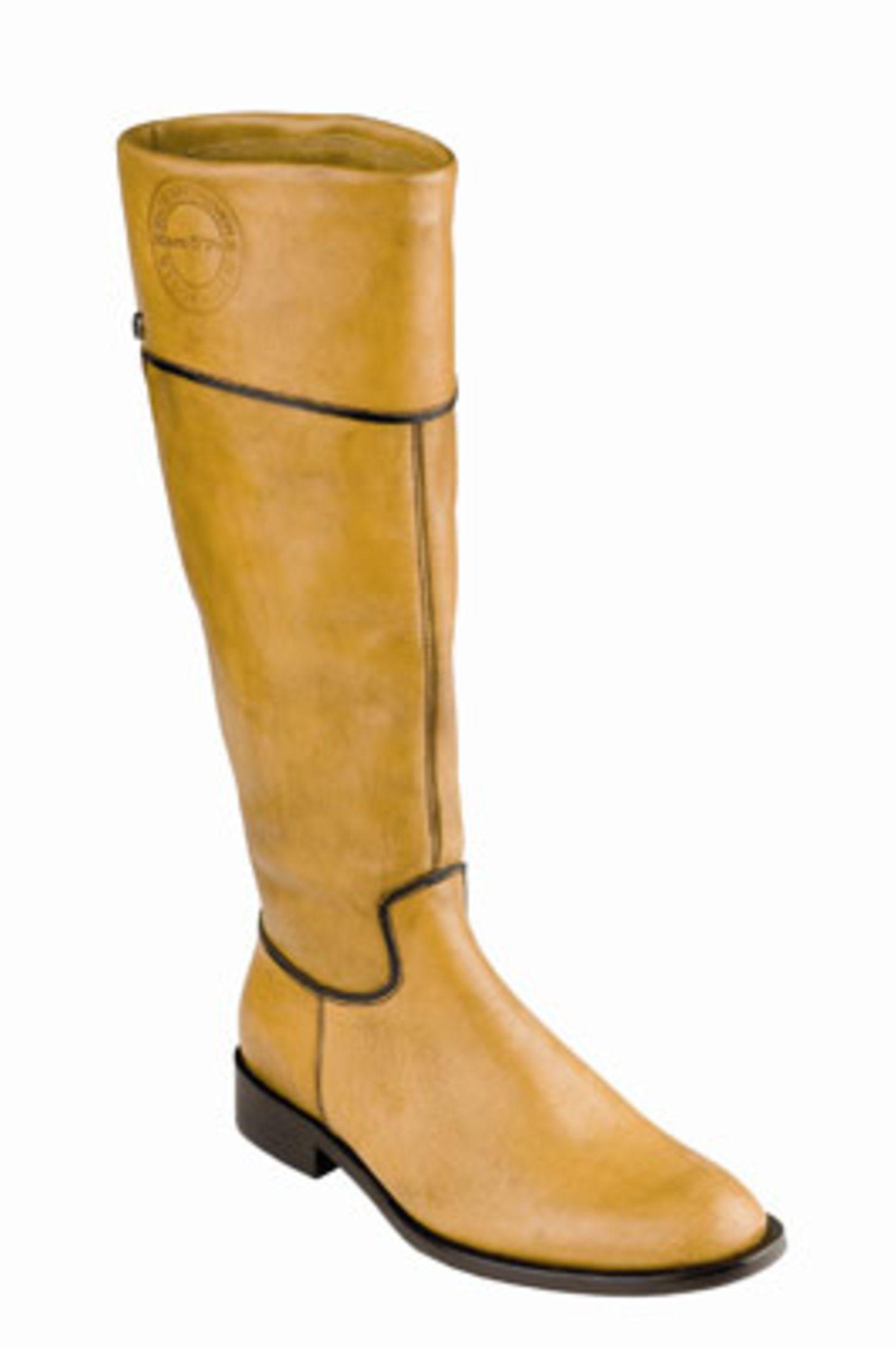 Ockerfarbener Stifel mit hohem Schafft; 229 Euro; von  Marc O'Polo