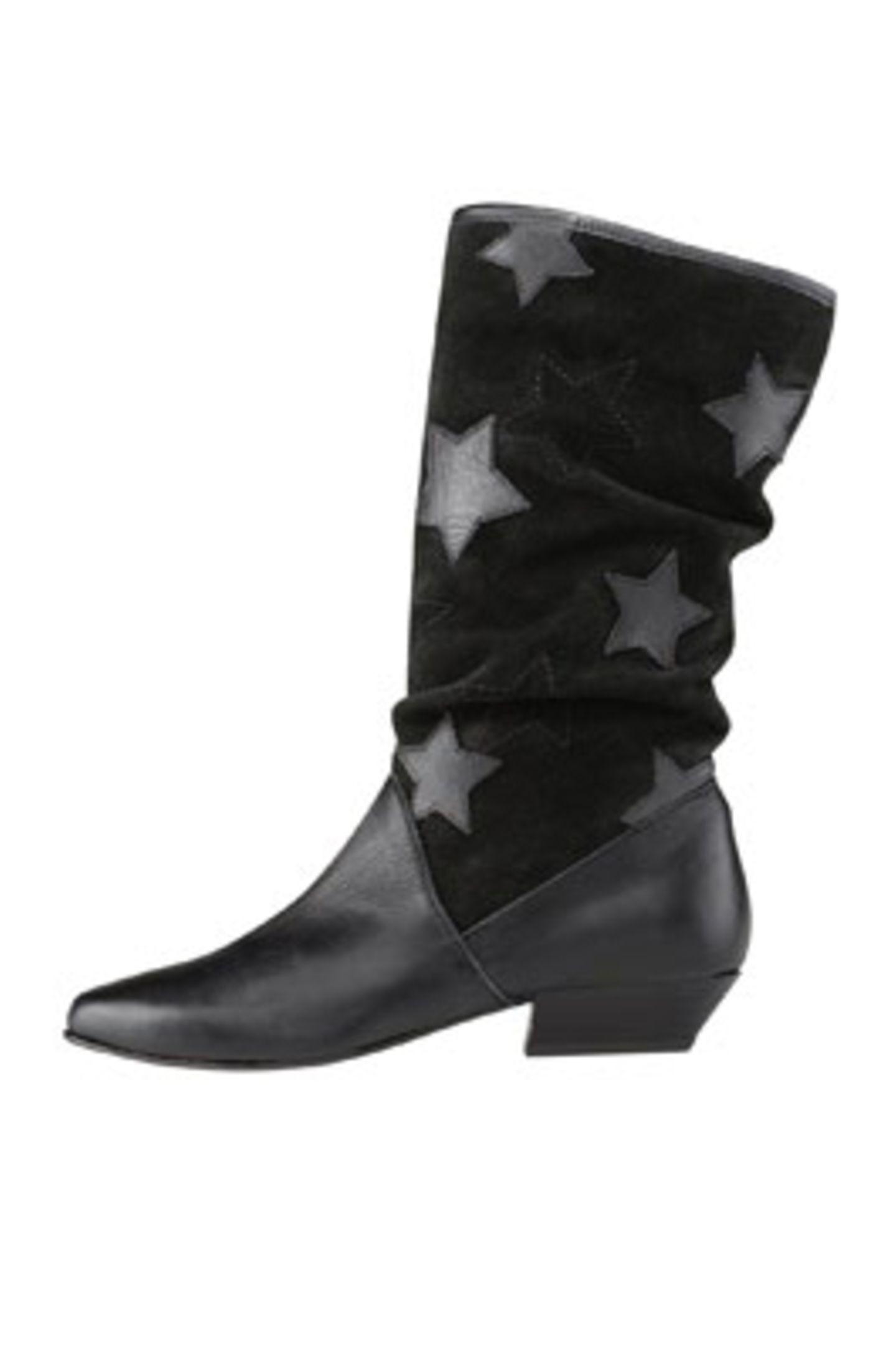 Schwarzer Stiefel mit Sternenmuster am Schafft; 89,95 Euro; von Akira über Görtz 17