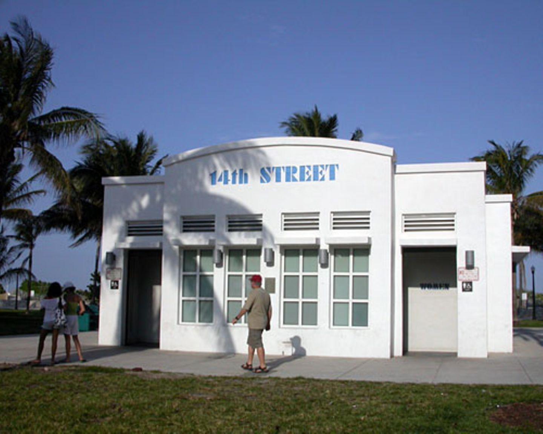 Selbst das Klohäuschen am Ocean Drive ist im Art Déco-Stil gebaut.