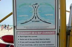 Tipps für den Umgang mit den lebensgefährlichen Rip-Strömungen am Strand von Miami Beach.