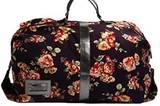 Großer Weekender mit Blumenprint von Urban Outfitters, um 64 Euro. Über www.urbanoutfitters.co.uk.